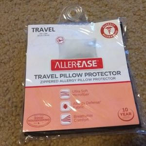 Travel pillow protector NEW